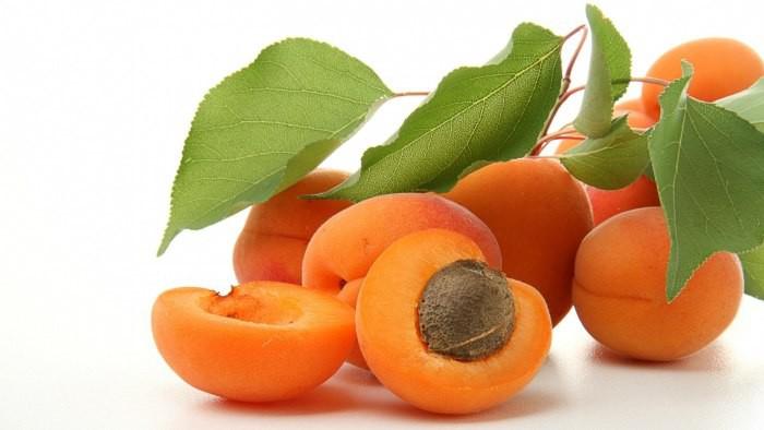 Абрикос витамины польза и вред