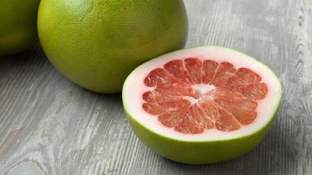 Помело фрукт — полезные свойства, вред, противопоказания