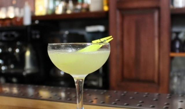 Настойка на киви — на самогоне, на водке, на спирту