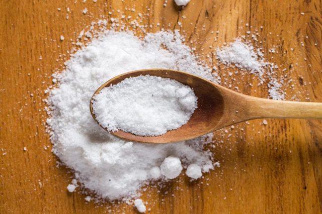 В чем отличие поваренной соли от морской