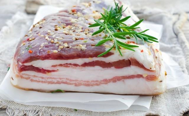 Сало — польза, вред, противопоказания, состав, сколько калорий