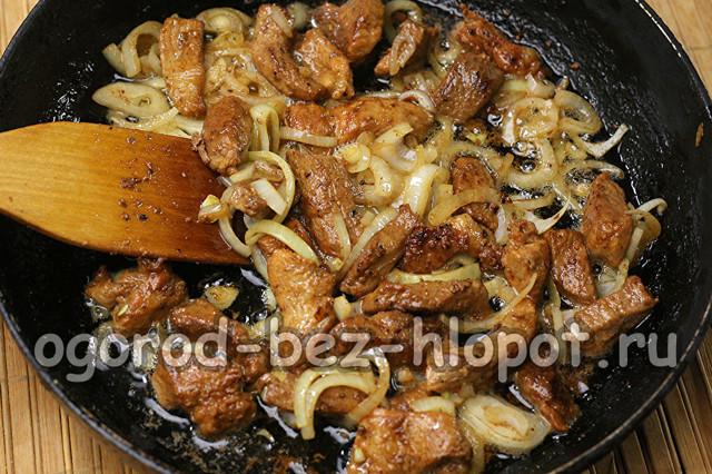 Тушеная квашеная капуста — 3 классических рецепта с мясом