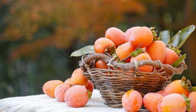 Хурма — польза, вред, свойства, калорийность, противопоказания